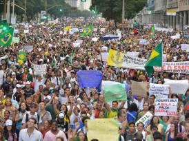 Multitudinaria+convocatoria+en+nueva+jornada+de+protestas+en+Brasil